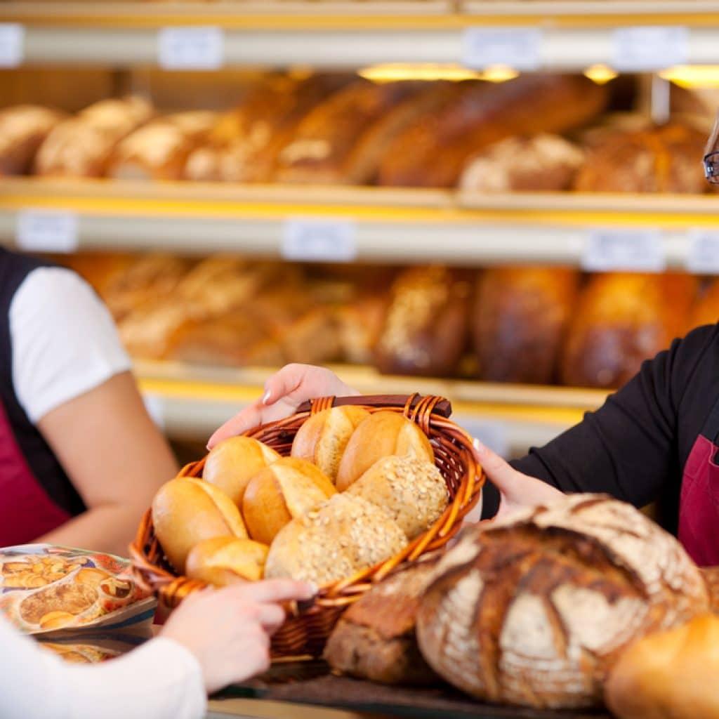 продают выпечку со своей пекарни