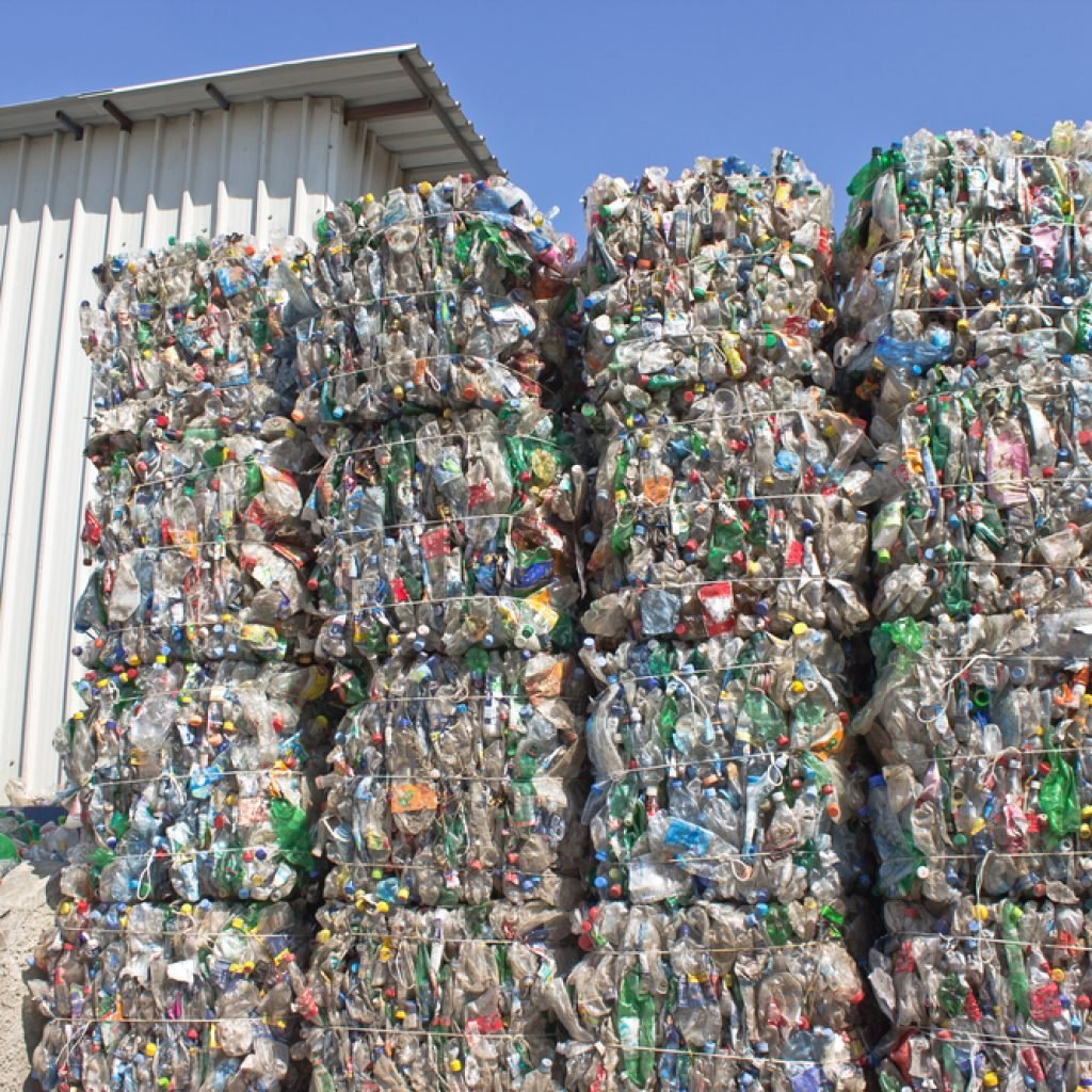 Переработка пластика и бумаги